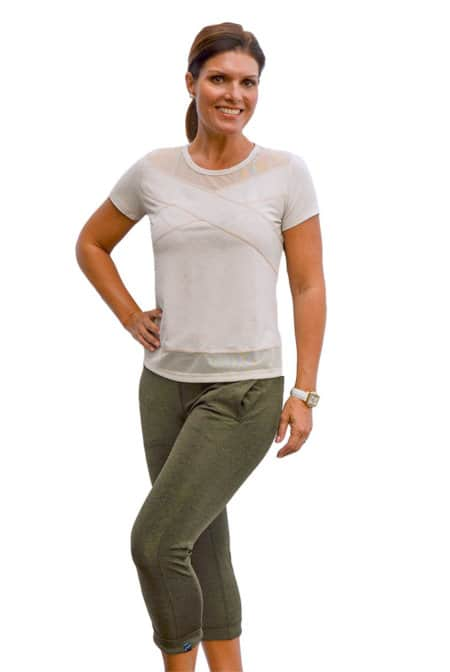 BPassionit-Model-in-Heather-Olive-Calf-Pants-and-Oatmeal-Top-WEB
